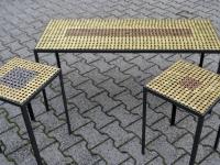 foto6_tavolo-oro-con-puff_tavolini_140x45x48-cm